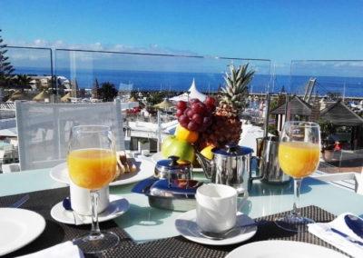 Sniadanie na Tarasie